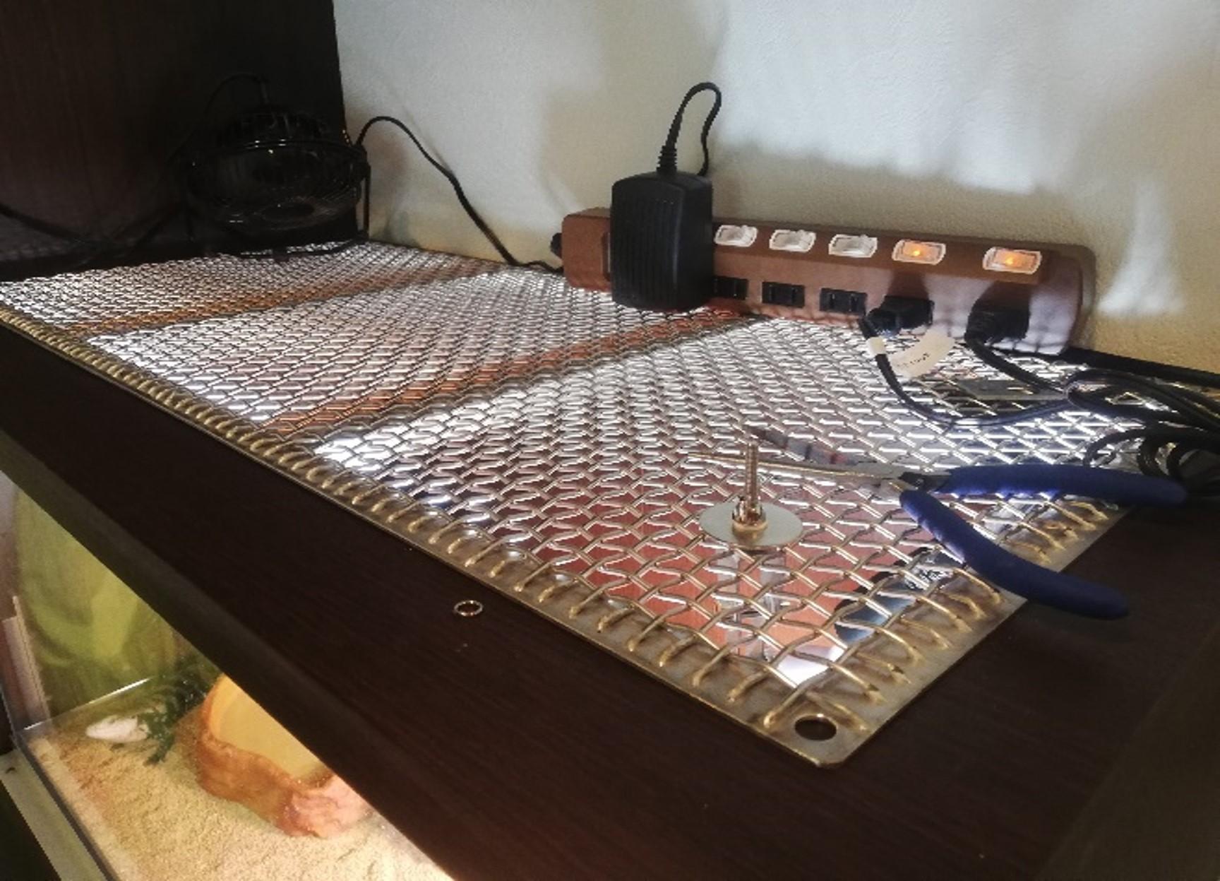ステンレス製のアングル、金網での製作
