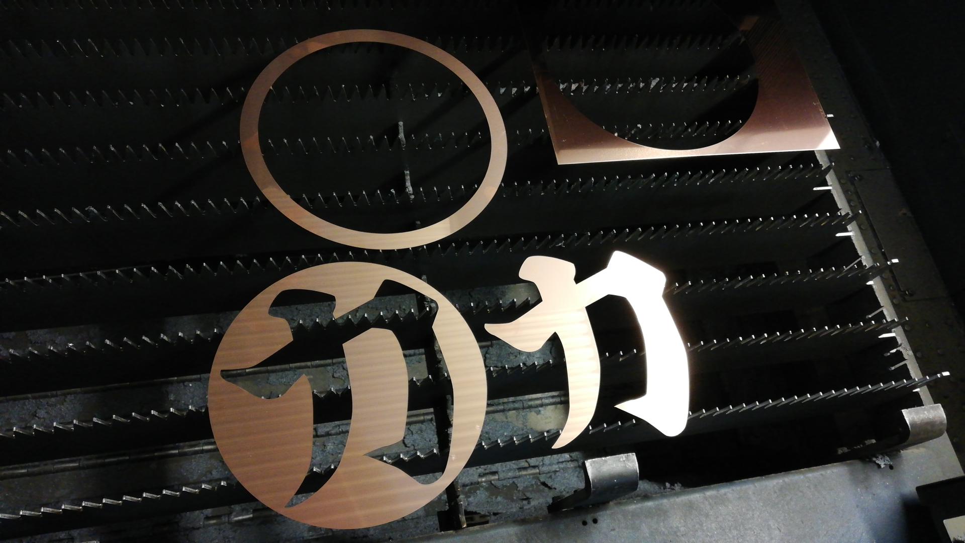 銅板レーザー加工切り文字